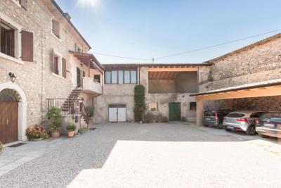 Casa Adriano II